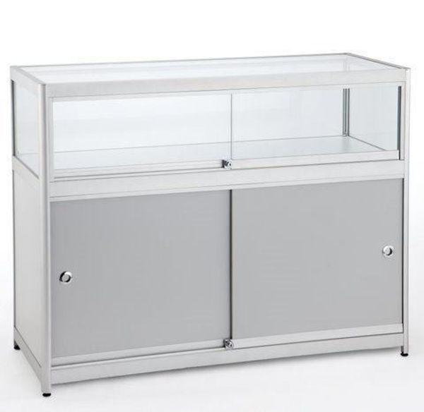 Picture of 1/4 Glass Showcase (R1552A)